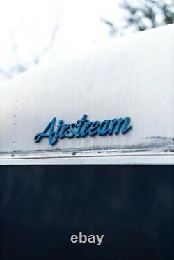 AIRSTREAM EXCELLA 32ft Vintage Original Travel Trailer 1987 SUPER RARE