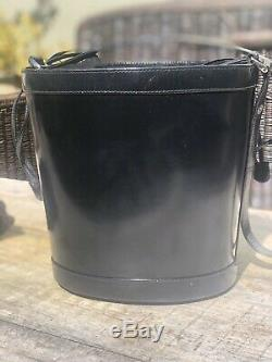 Auth Gucci Vintage Soho Patent Leather Drawstring/Bucket Black Bag Super Rare