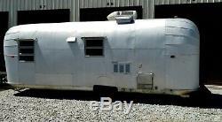 SUPER RARE Vintage Avalair Travel Trailer Camper 24' Like An Airstream / Avion