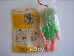 Super Rare 1960's Japan Made Shiba Era Big Eyes Doll Kiddle. Kiddlie Knits Book