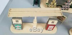 Vintage Super Rare Buddy L Tin & plastic Texaco gas station With Original Ad